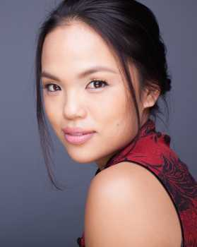 Dr. Bai Liu (Nikki SooHoo) in Atlanta Medical / The Resident